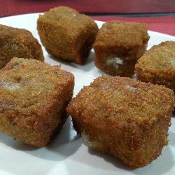 Media ración de croquetas de patata y trufa